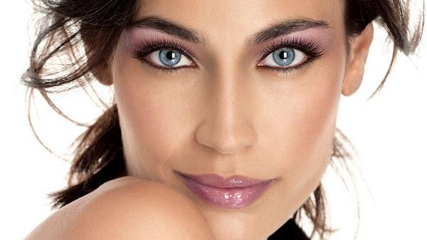 макияж для брюнеток с голубыми глазами 1