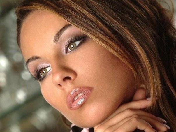 макияж для брюнеток с зелеными глазами 4