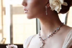 свадебные прически с живыми цветами фото 14