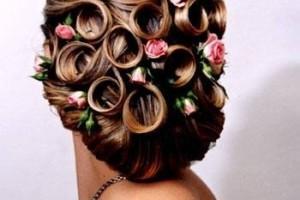 свадебные прически с живыми цветами фото 21