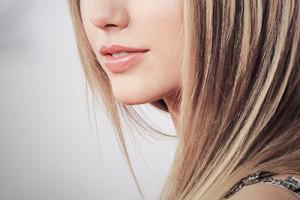 мелирование на светлые волосы фото 6