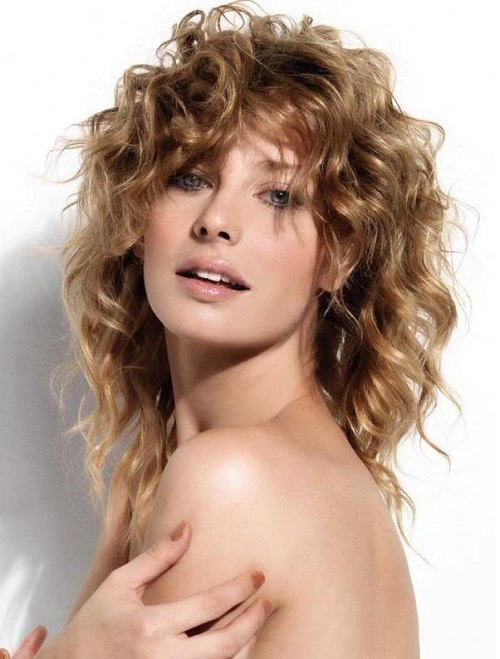 стрижка каскад на вьющиеся волосы